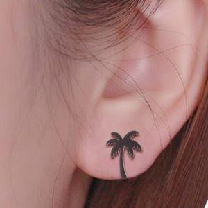 Jewelry - ♥️5️⃣for💲2️⃣5️⃣ Cute palm tree earrings 🌴